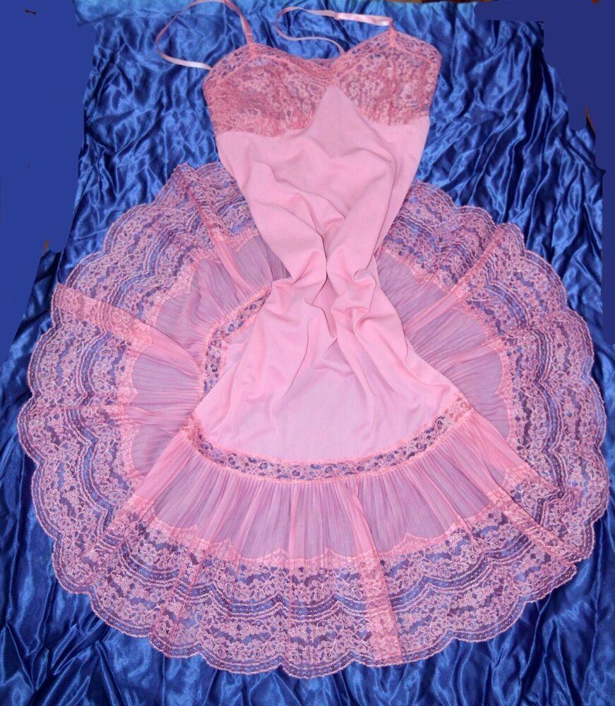 d241ebe6e77 VTG BUBBLEGUM Pink Crystal Pleated Chiffon Lace Nylon Pettocat Slip 32 34 M   Charmode