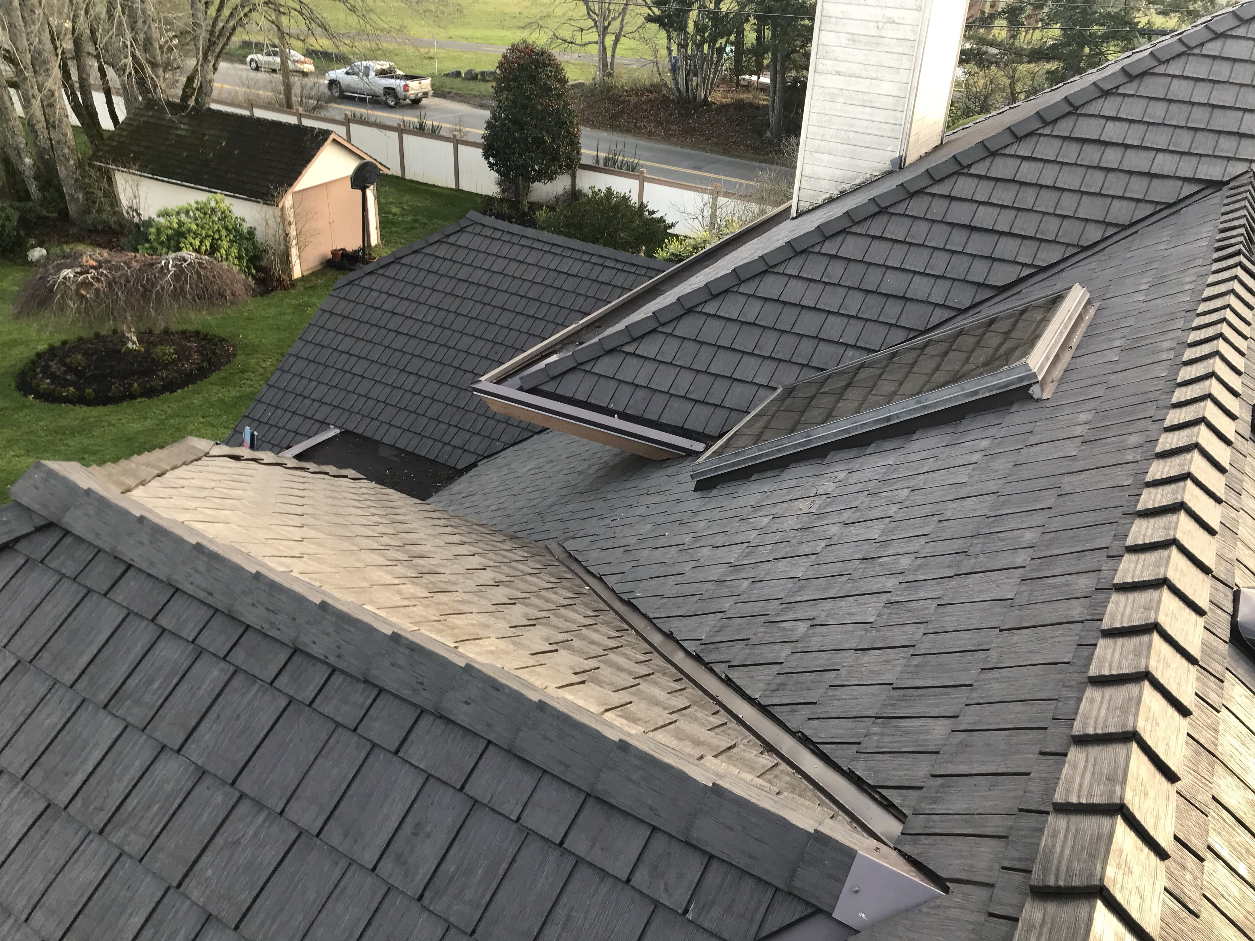 Environmentally Friendly Rubber Roofing System Made From 95 Recycled Materials Roofing Ecofriendly Custom Rubber Roofing Roofing Systems Outdoor Decor