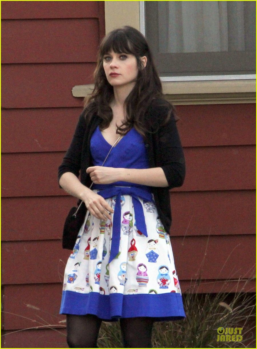 Zooey Deschanel filming  New Girl   0e6f69fb8