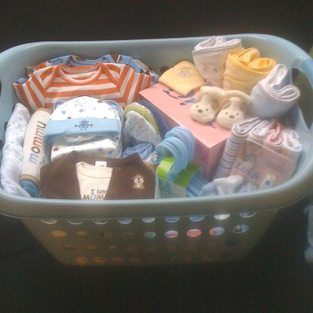Baby Gift Delivery Ideas : Baby shower laundry basket gift ideas