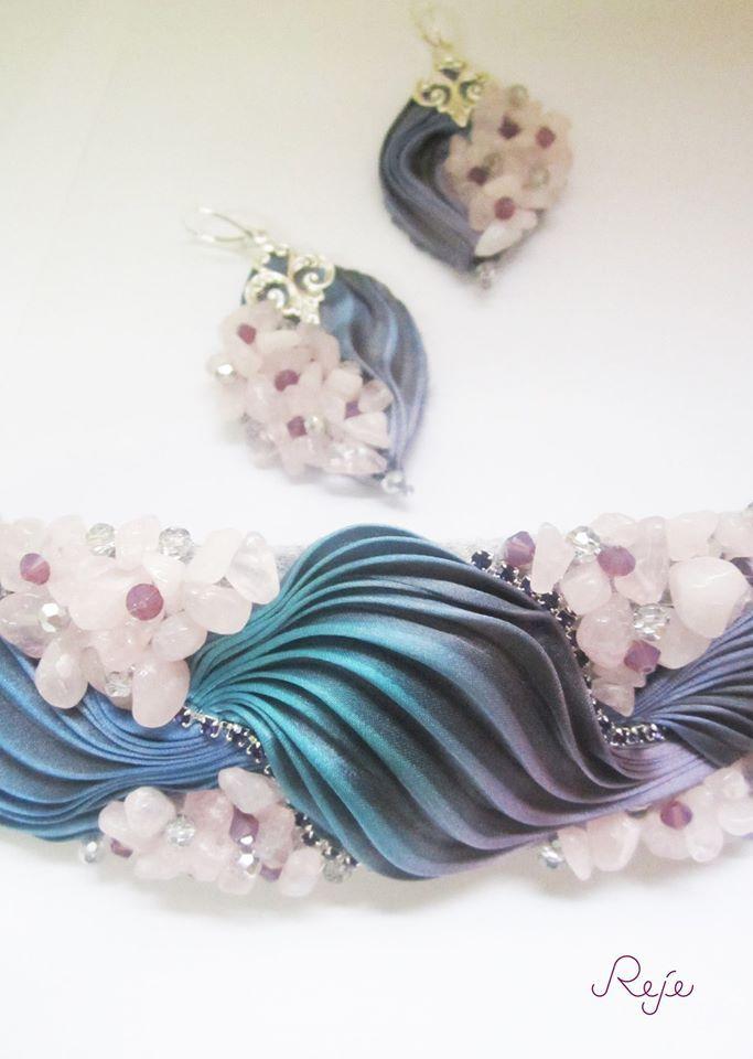 shibori silk set -bracelet and earrings- rose quartz, swarovski beads, crystals of Bohemia https://www.facebook.com/rejegioielliinsoutache