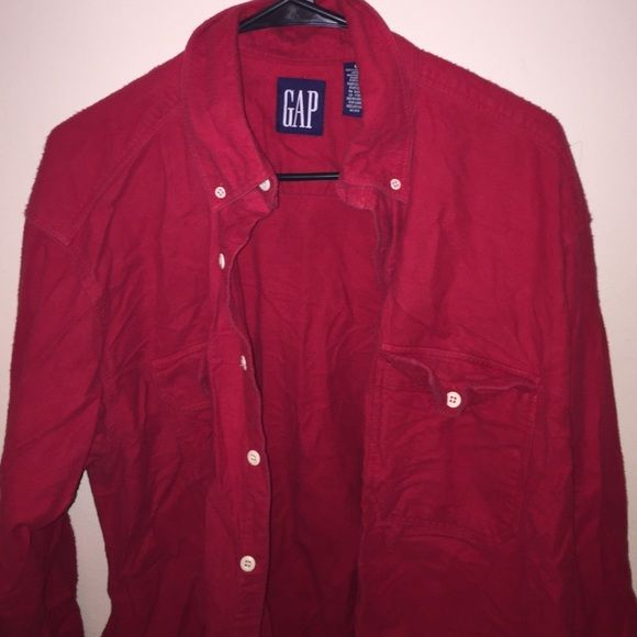 Red vintage GAP flannel SIZE L GAP FLANNEL .. Wrinkly (my bad) GAP Tops Button Down Shirts