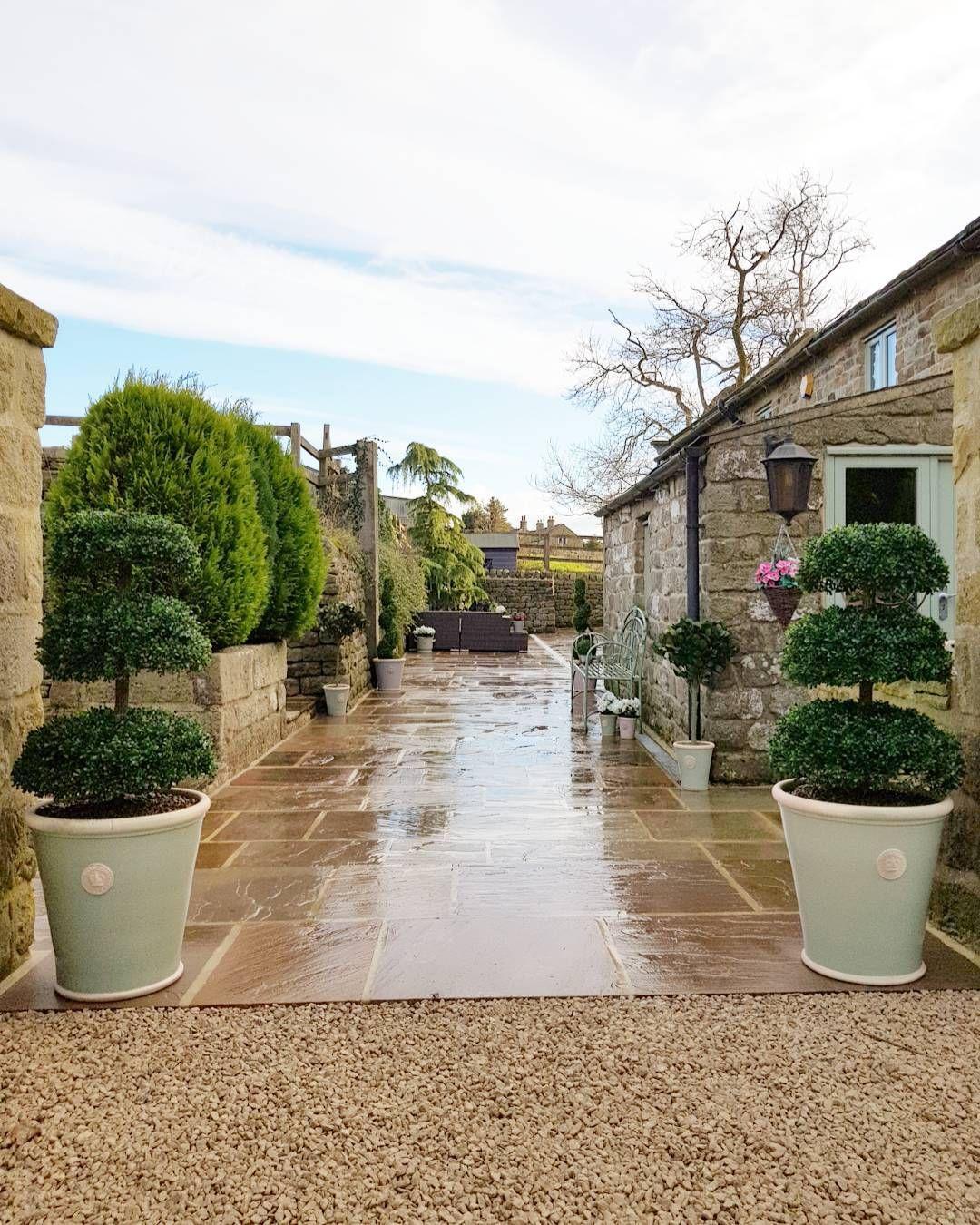 Loving these big boys !! Chartwell Green Kew Pots to match