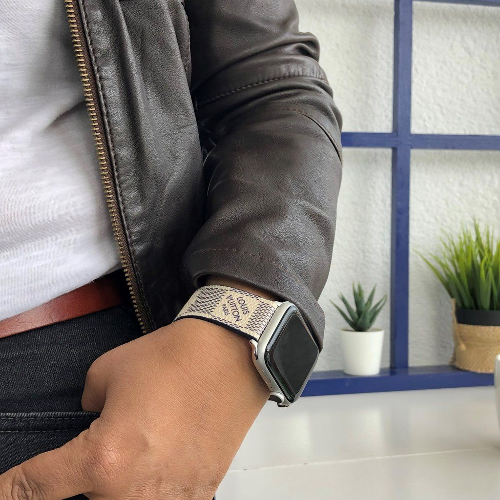 Louis vuitton Apple Watch band panosundaki Pin
