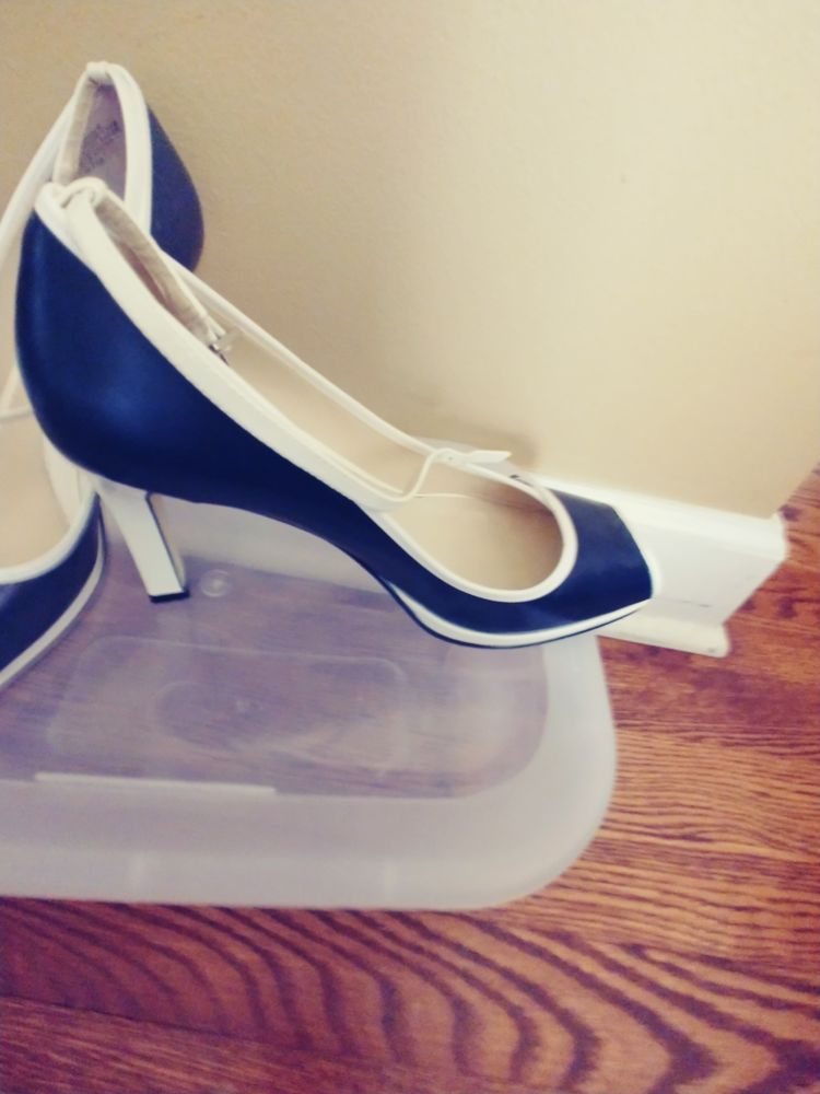 aaeef3292c ENZO ANGIOLINI Women US 6.5M Blue and white Leather Expert T-Strap Heel  Career