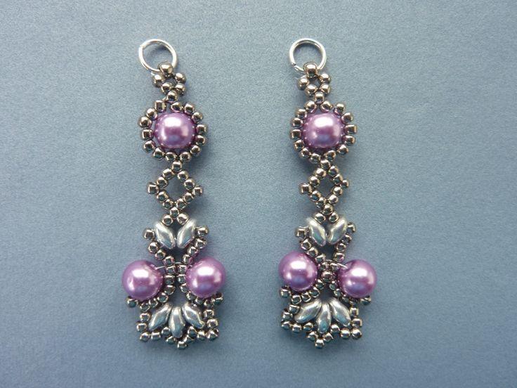 nice FREE beading pattern for Lotus Lace Earrings - BeadDiagrams.com