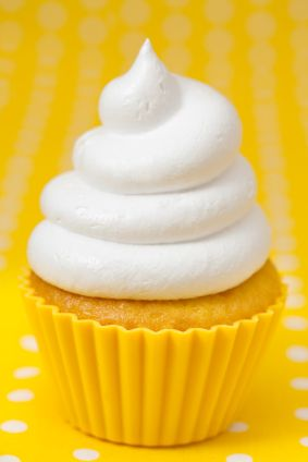 Whipped Creamy Frosting (Vegan #cookiesandcreamfrosting