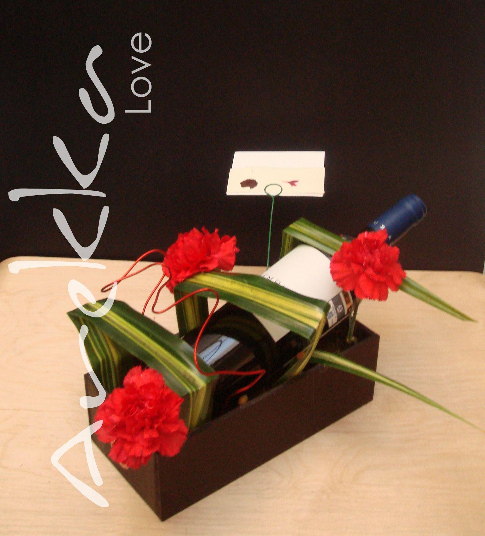 flores + vino Flores, Regalos y Diseño floral