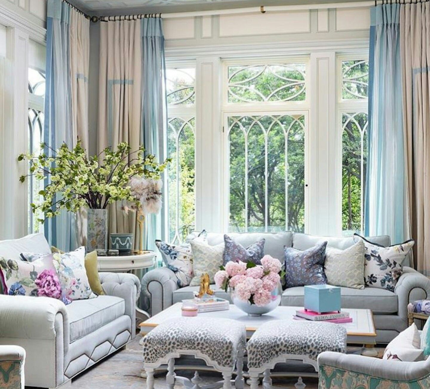 Fabulous Beach House Living Room. | The best coffee tables ...