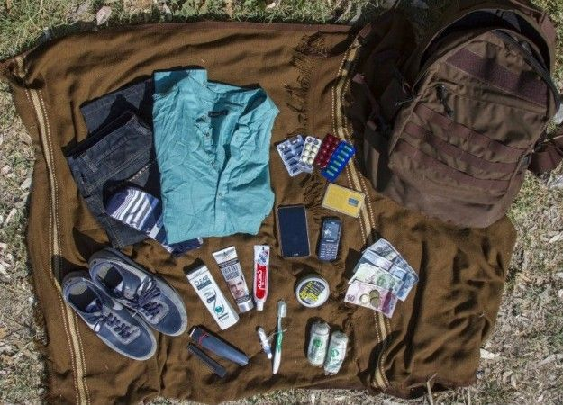 What Syrian refugees carry when they flee their homes #campingpictures