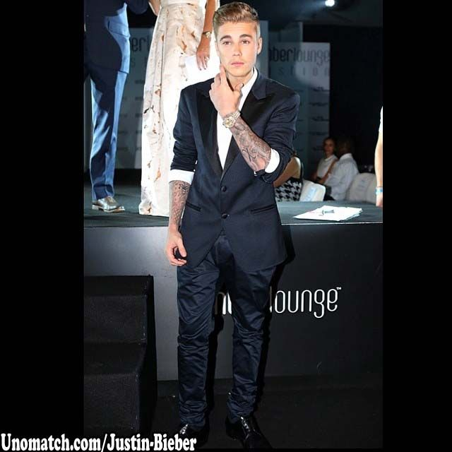 Justin Drew Bieber is a Canadian singer-songwriter, dancer, and actor. Marketing executive, Scooter Braun first discovered Bieber through his videos in 2007.   #JustinBieber http://www.unomatch.com/justin-bieber