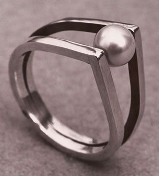 Merry Renk, Rolling Pearl Ring, 1954