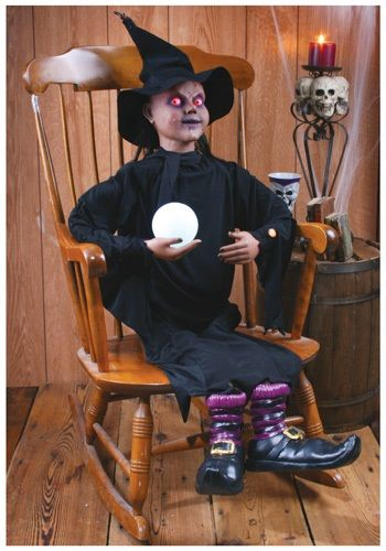Story Teller Witch #Halloween #Decor Think I could recreate this too - witch decorations
