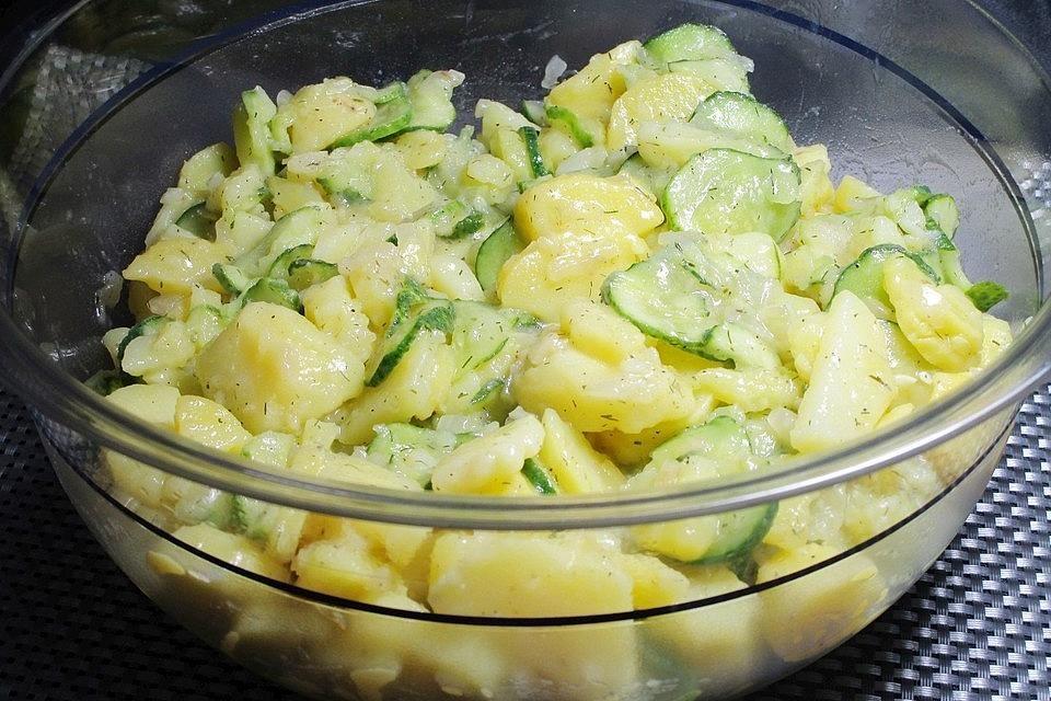 Kartoffelsalat mit Essig, Öl und Gurke von klausi60 | Chefkoch