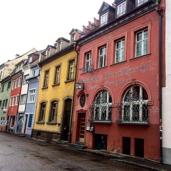 Fotograf Freiburg Im Breisgau freiburg im breisgau bunte häuser foto key dem