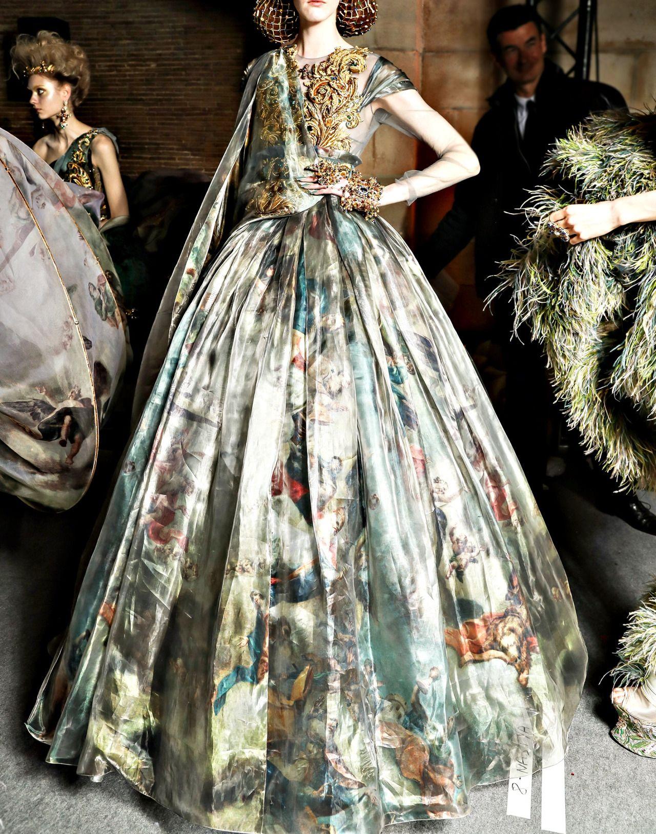 Guo Pei Spring 2017 Couture   PFW.