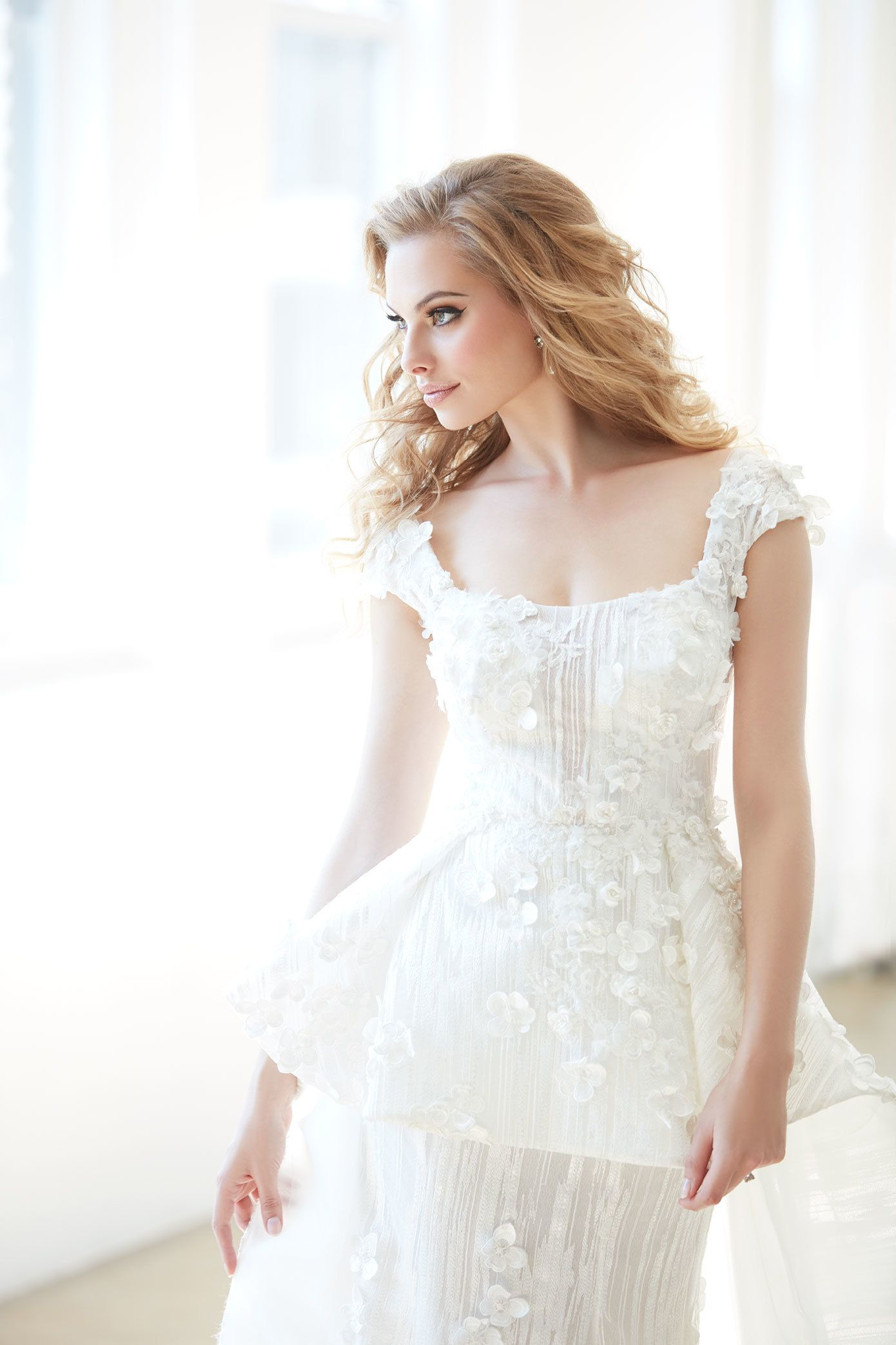 Wedding Dress 101 Choosing The Right Gown For Your Venue