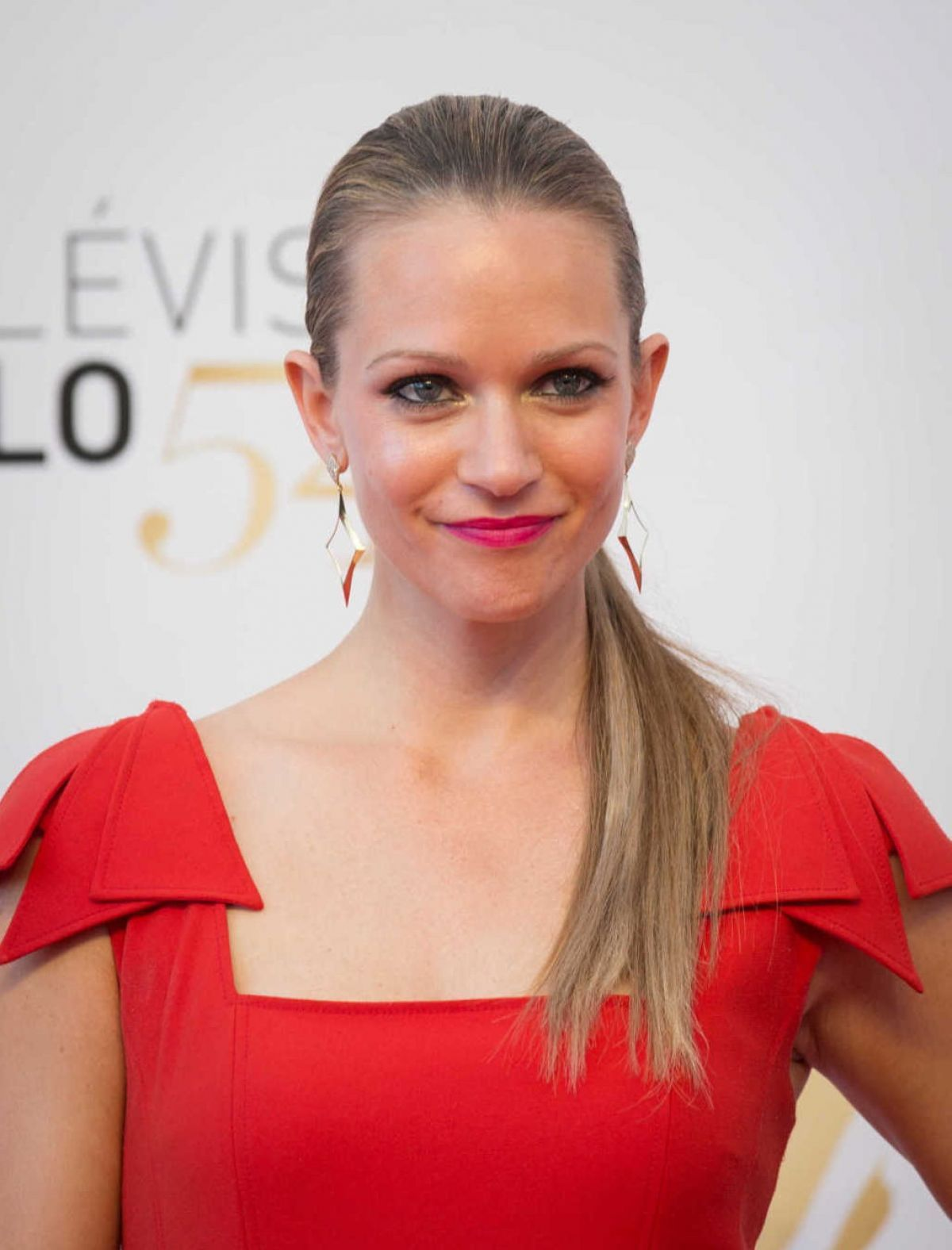 35 Hot Pictures Of A.J Cook From Criminal Minds Will Make