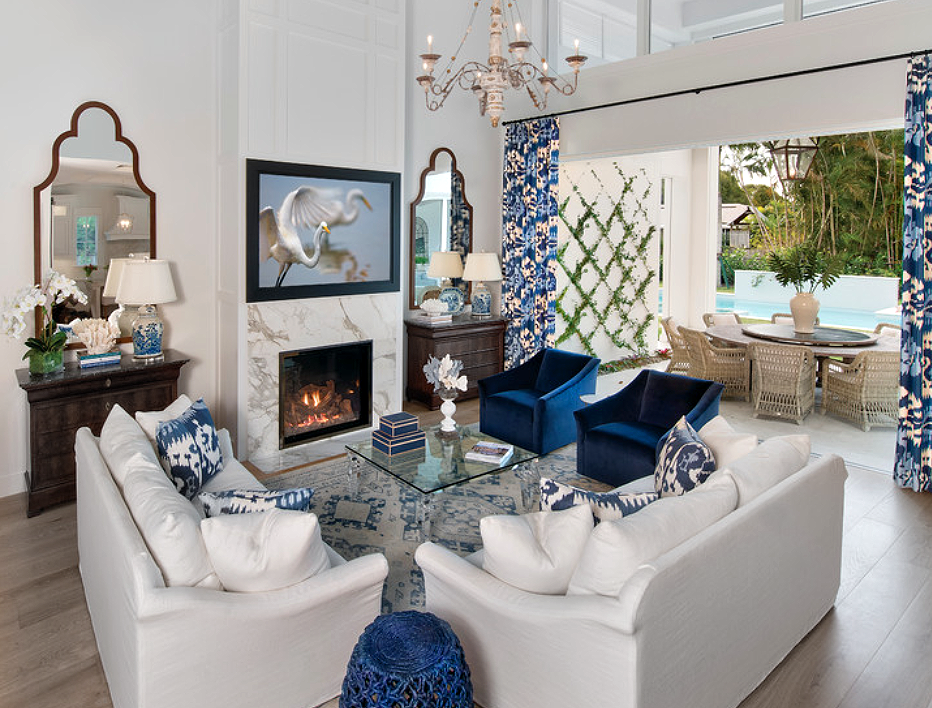 Beautiful Blue And White Transitional Living Room Decor With White