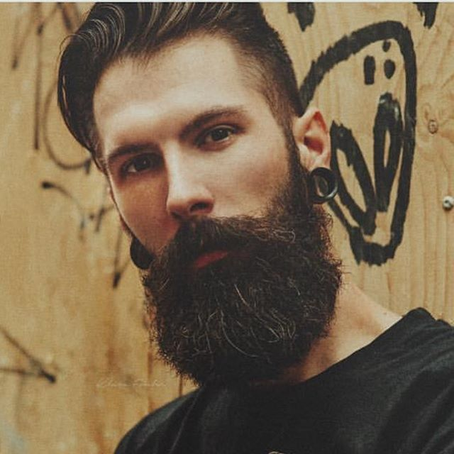 By @klara_fowler #beautifulbeard #beardmodel #beardmovement  #baard  #bart #barbu #beard #beards #barba #bearded #barbudo #barbeiro #beautiful #beardo #fullbeard #barber #barbuto #barbershop #barbearia #boroda #thbe44bc