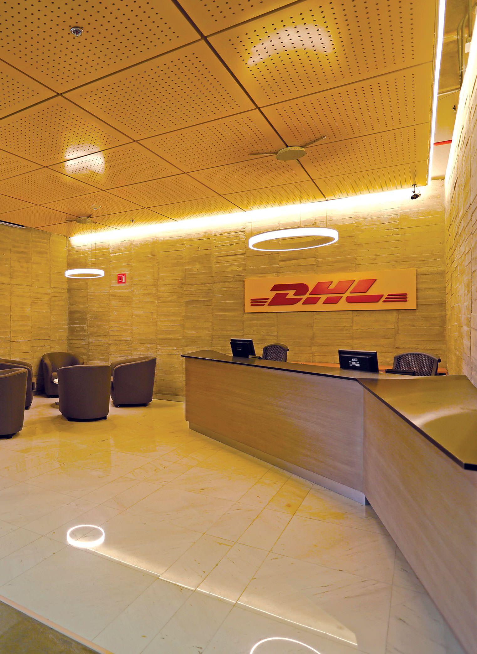 OFICINAS DHL | Diseño De Interiores | Interior Design | Celling Yellow,  Plafón Amarillo MOBILIARIO