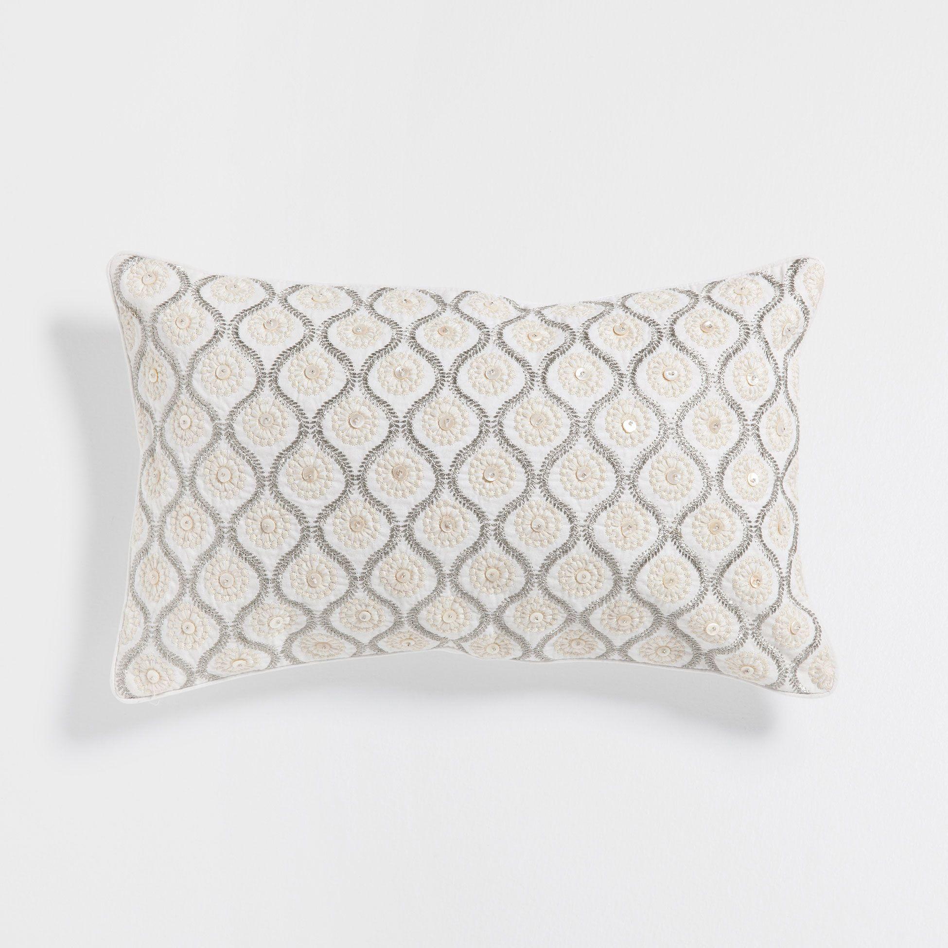 Kissen Mit Stickerei Und Applikationen Embroidered Cushions