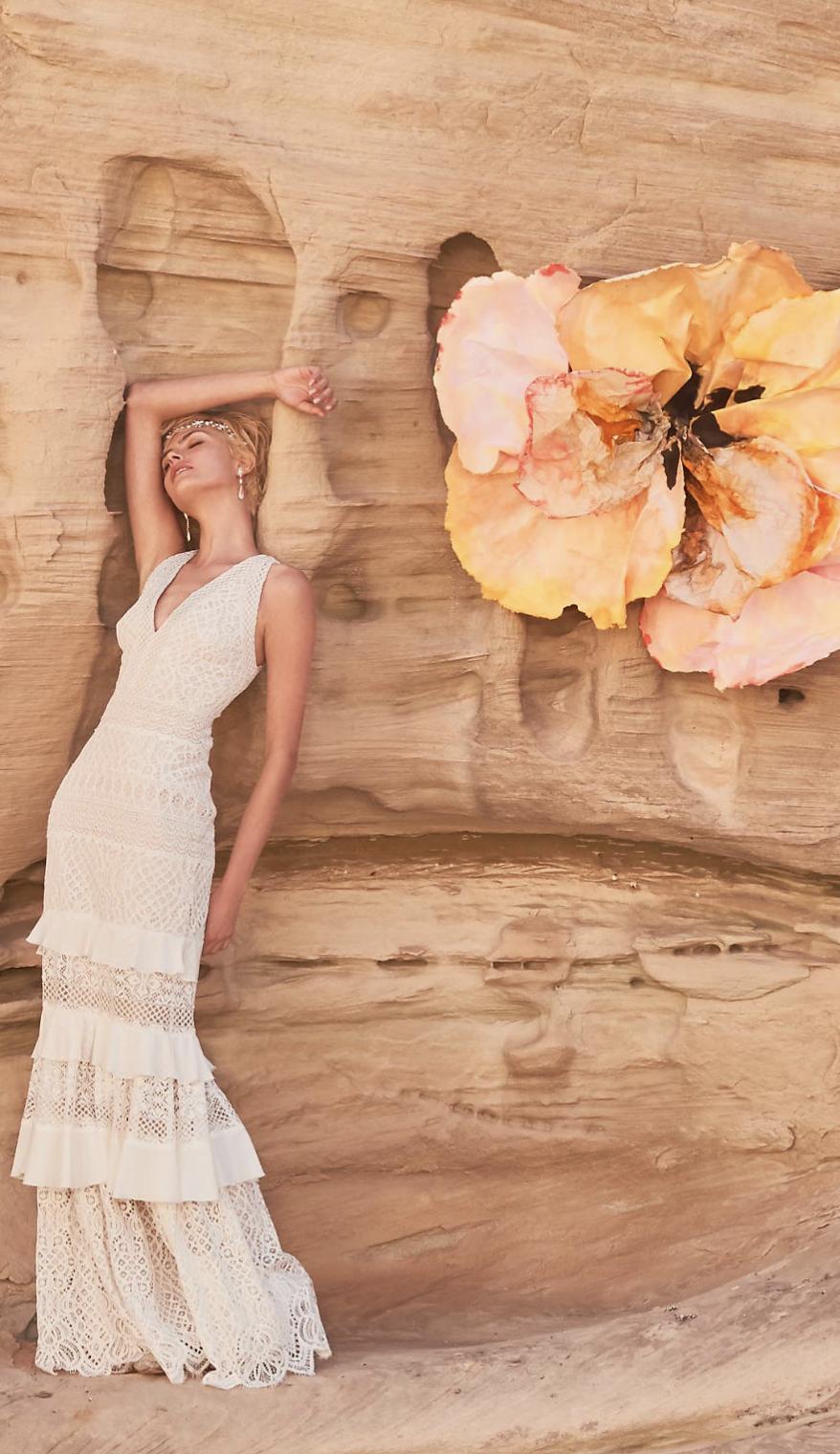 Sleeveless crochet lace tiers wedding dress boho bohowedding