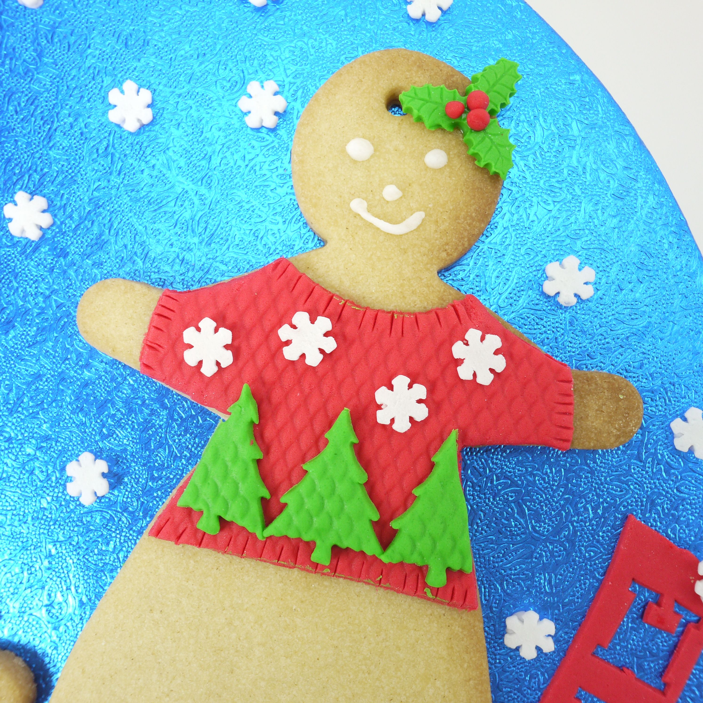 Mrs Gingerbread and her festive Christmas jumper!