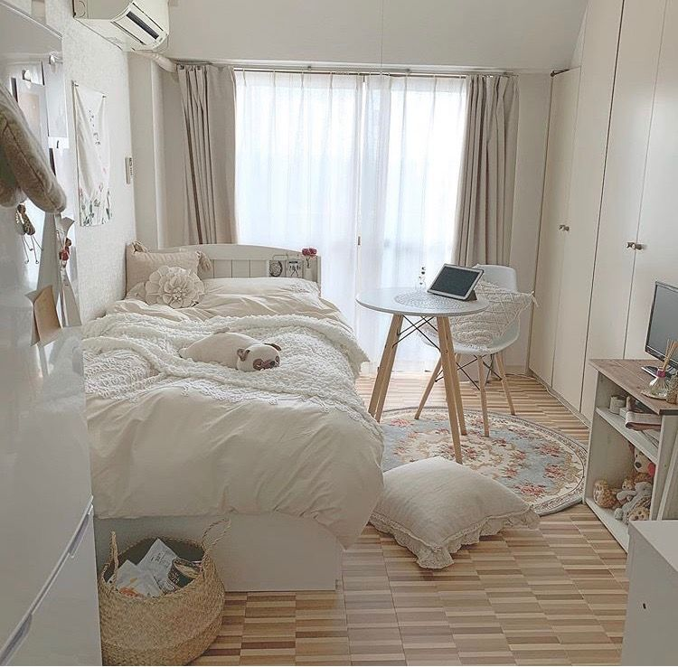pin𝒌𝒚𝒍𝒊𝒆 on — home — | aesthetic bedroom, cozy room, minimalist room