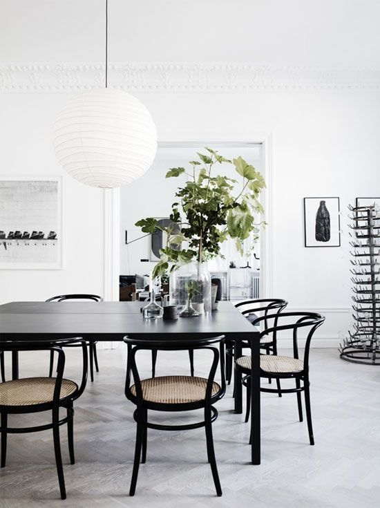 black bentwood chairs in dining room dining room comedores rh pinterest es