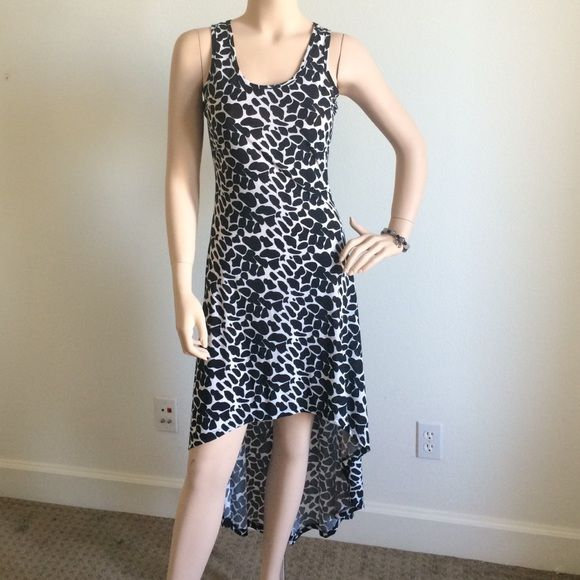 Chic black & white dress Chic black & white dress Dresses High Low