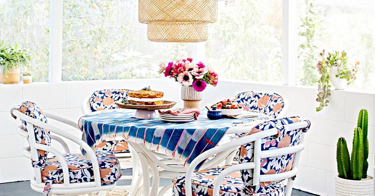 Must-See Front Porch Ideas Featuring Flea Market Finds