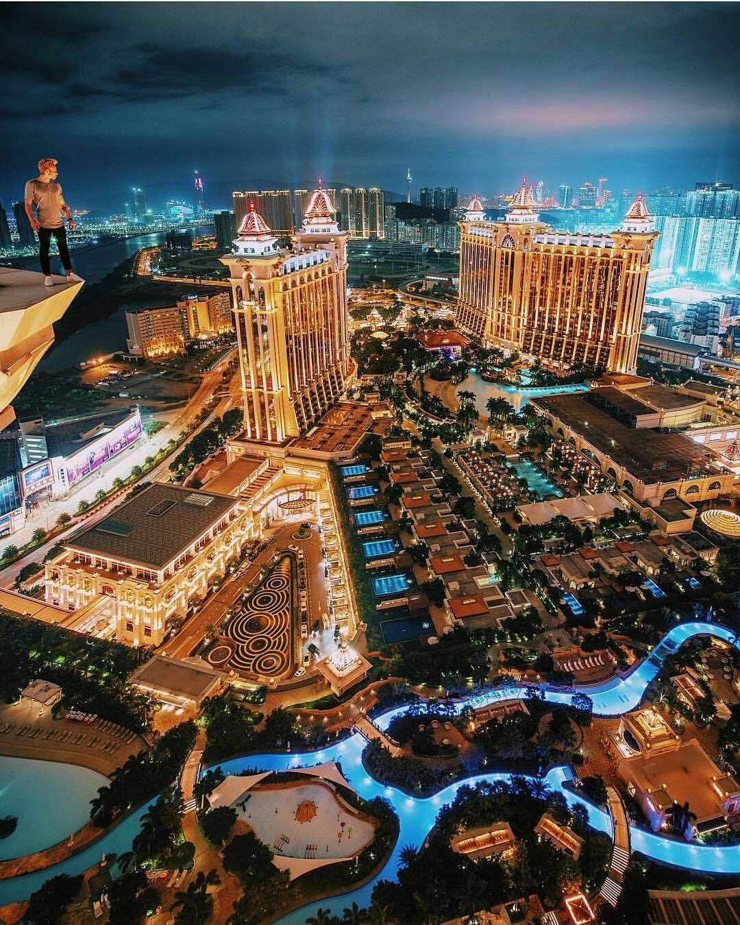 Épinglé Par Ger Sur Vegas