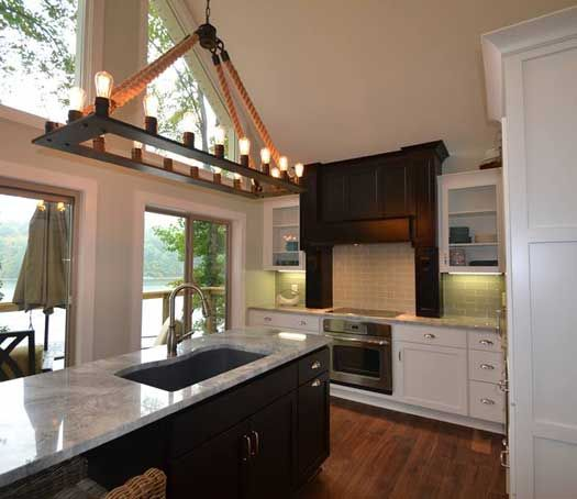 Kitchen remodel with island in Columbus, OH. Designed by ...