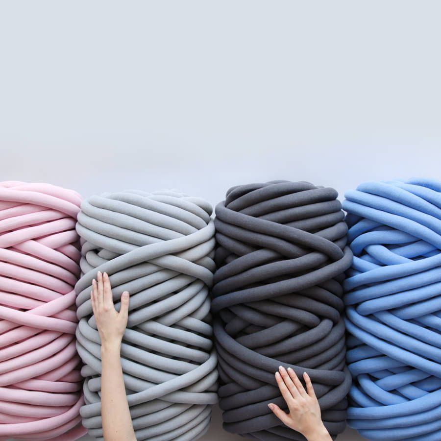 Ohhio Braid is a chunky vegan yarn. It's easy to use, holds its shape well, and can be cleaned in a washing machine. Available in four beautiful colors.