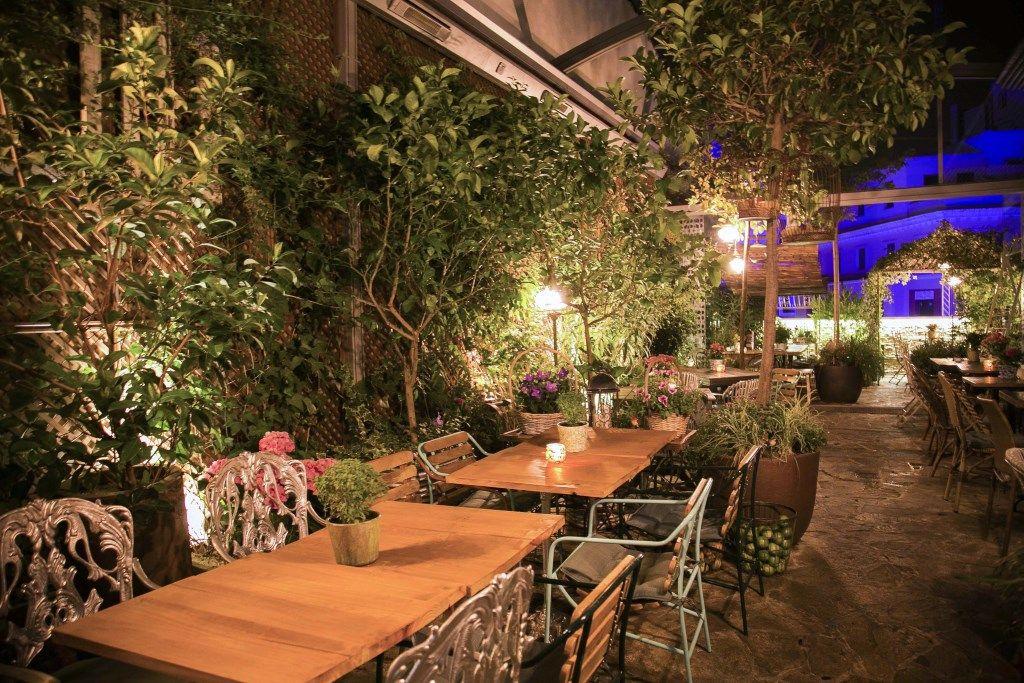 Terraza El Jardin Secreto Madrid Spain In 2018 Pinterest Spain