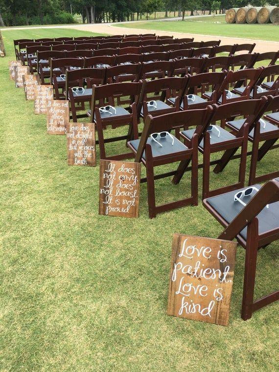Hochzeit Gang Zeichen Liebe ist geduldig Liebe ist freundlich Holz Zeichen Frühling Hochzeit Gang Dekoration Liebe ist geduldig Hochzeit Gang Zeichen Set von 8   – Wedding