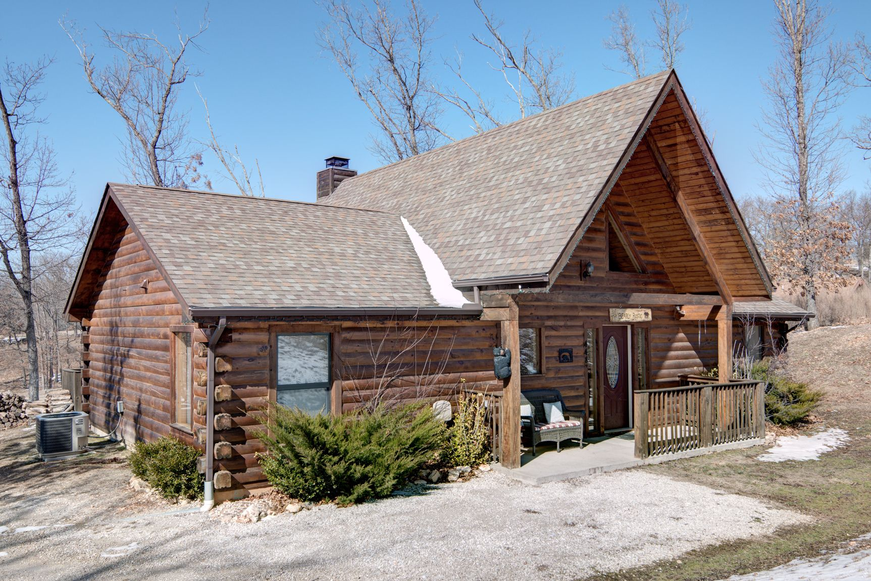 Bearly Rustic 3 Bed 2 Bath Log Cabin That Sleeps Up To 8 Winter View Cabin Log Cabin House Styles