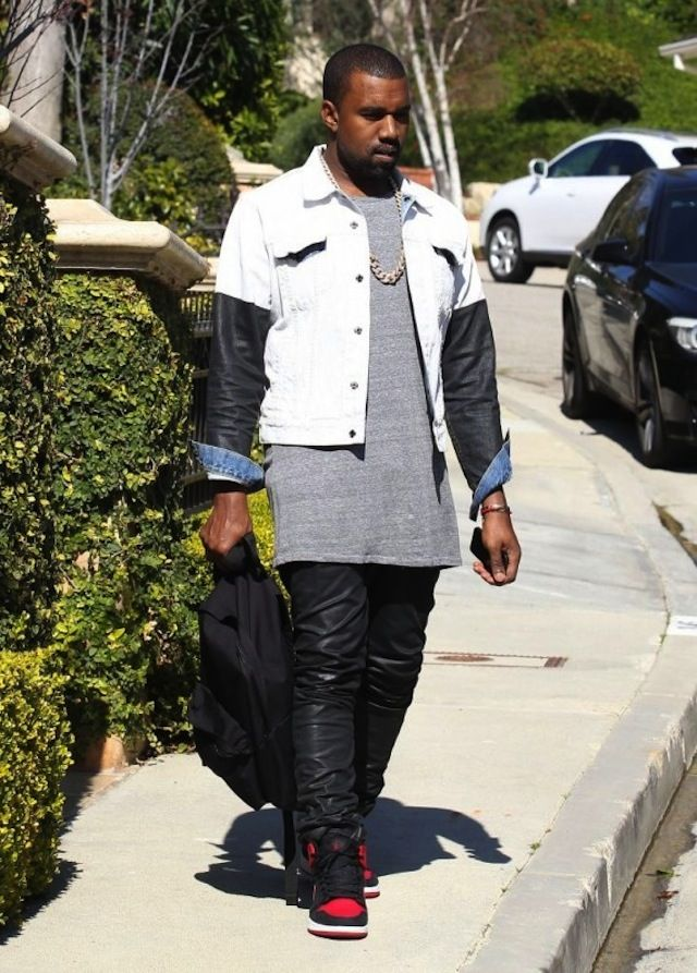 f0b3422f9642 Kanye West wearing Air Jordan AJKO « Bred »