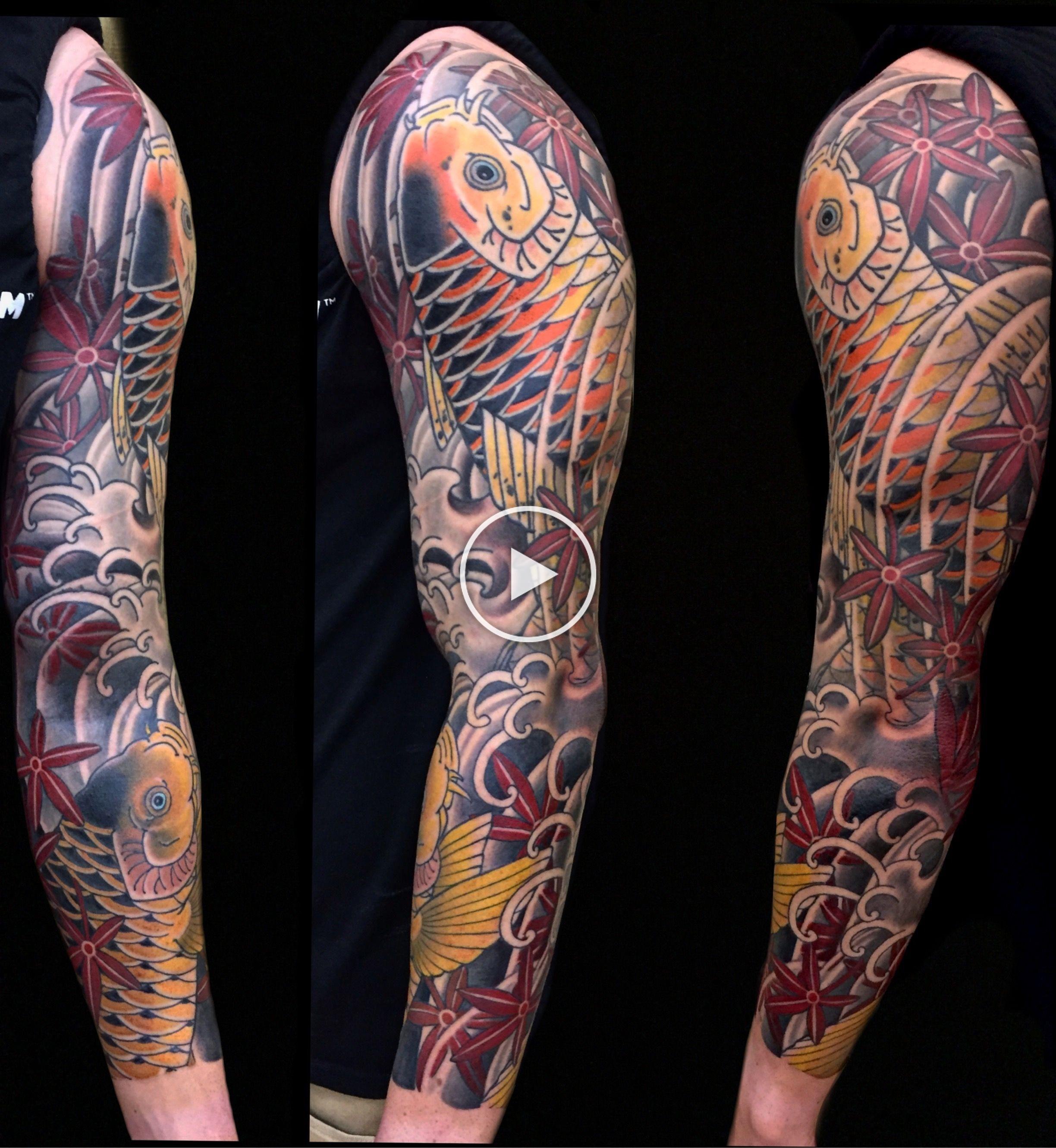 Koi Sleeve With Maple Leaves Japanese Style Tattoos By Cindy Maxwell Seventh Son Tattoo San Francisco En 2020 Tatuaje Maori Hombro Tatuajes Japoneses Tatuaje Maori