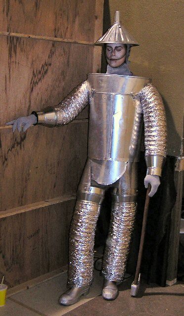 Tying An Costume Ideas Those Arms Are A Really Good Idea Wizard Of Oz Costumes Diy Tin Man Costumes Tin Man