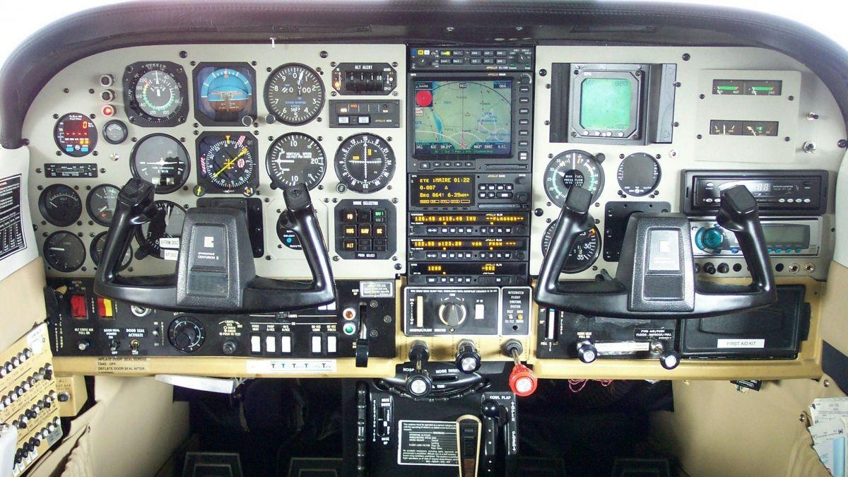 Cessna 210 cockpit images galleries for Cabina lago north carolina
