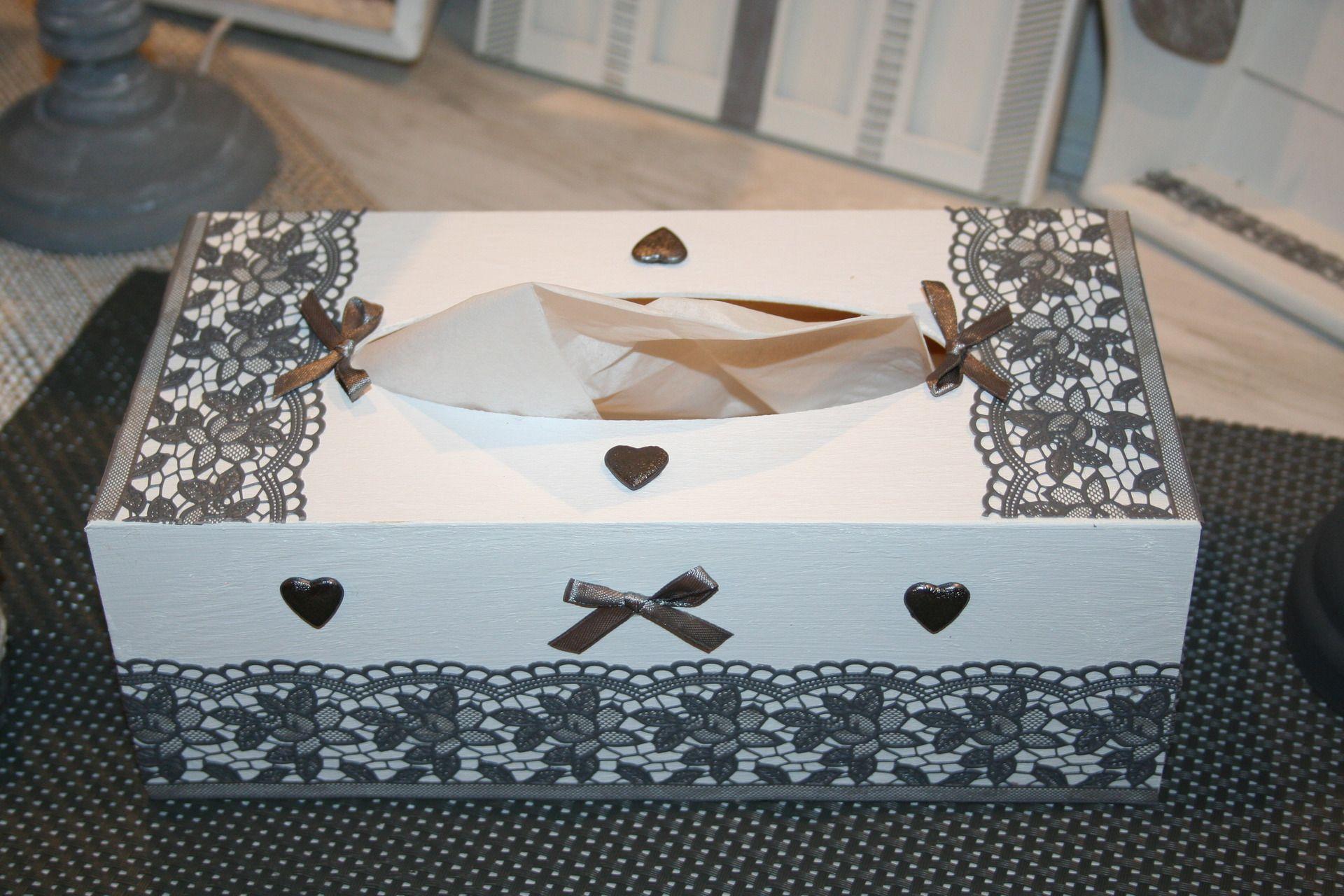 boite mouchoirs shabby grise et blanche dentelle et. Black Bedroom Furniture Sets. Home Design Ideas