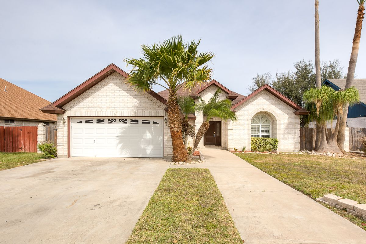 2403 E 28th Street Mission, TX 78574 Beautiful home for