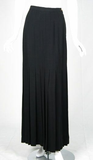Always loved long skirts. This has less volume than my usual choice. Might be better.