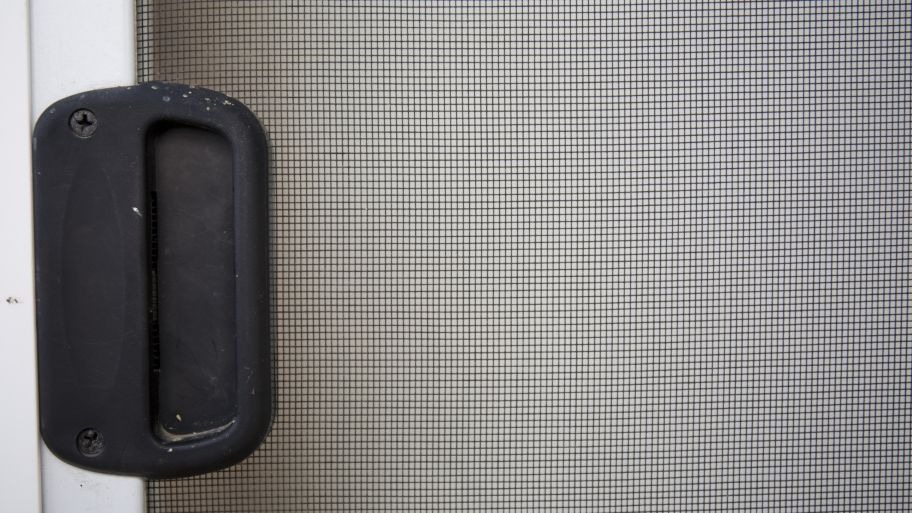 How Much Does A Screen Door Repair Cost? | Screens And Doors