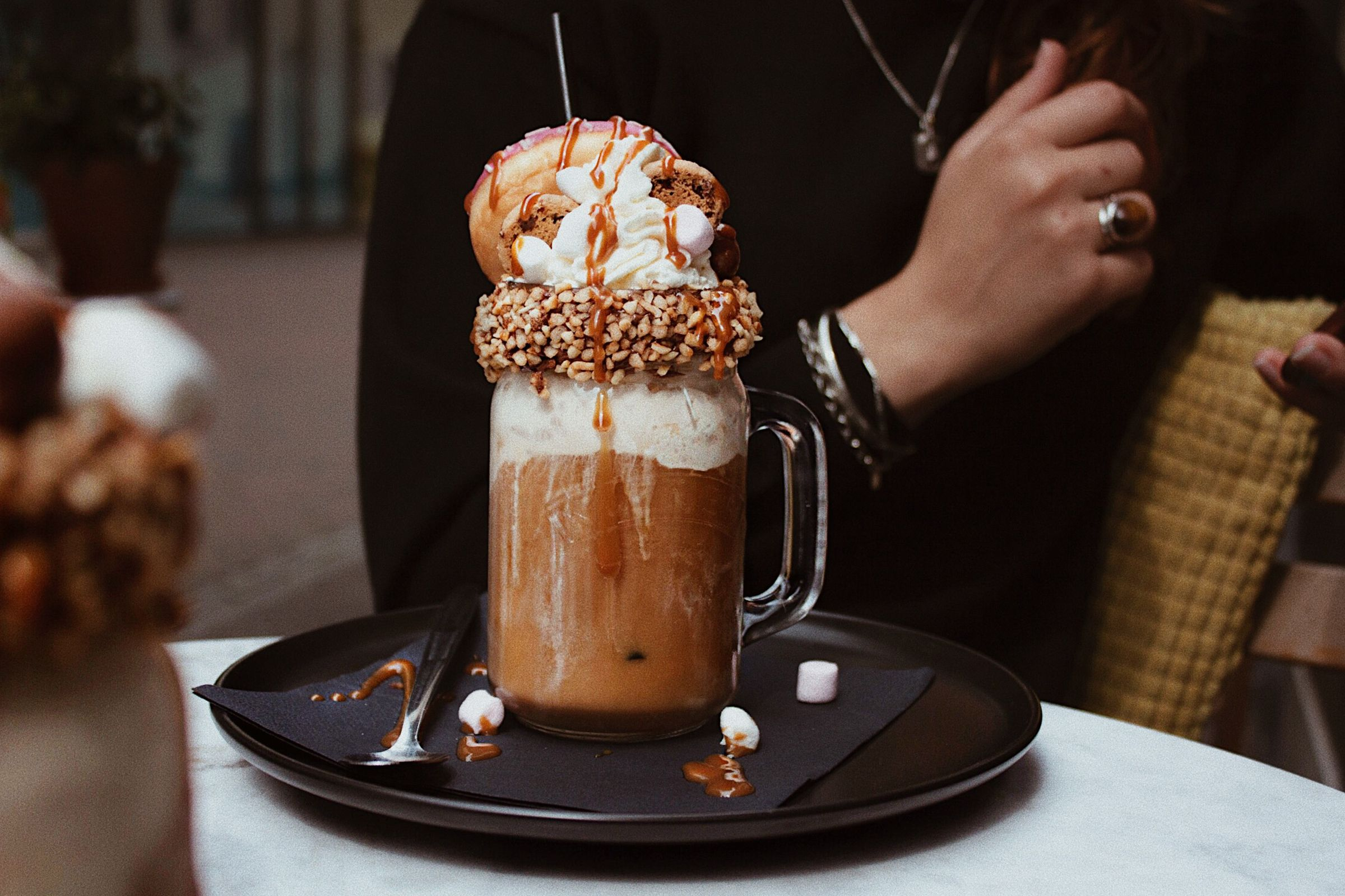 Book cafe Lewis Utrecht Lexpander foodporn #foodporn #food #foodtrend #IcedCoffee #milkshake #Donut #madness #utrecht