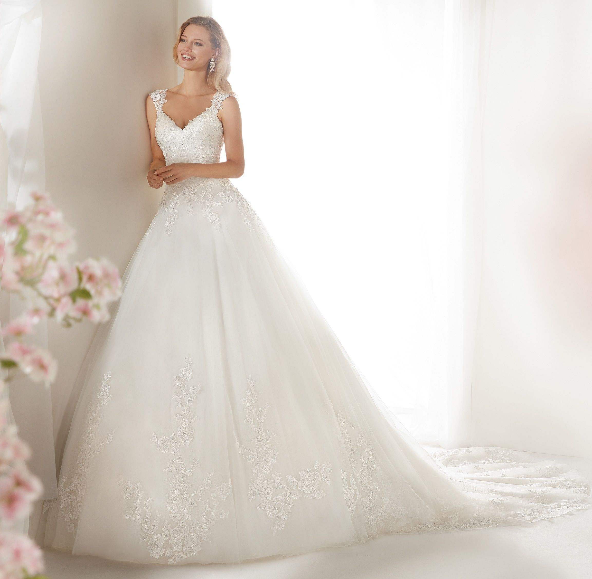 26571260677c Moda sposa 2019 - Collezione COLET. COAB19209. Abito da sposa Nicole ...