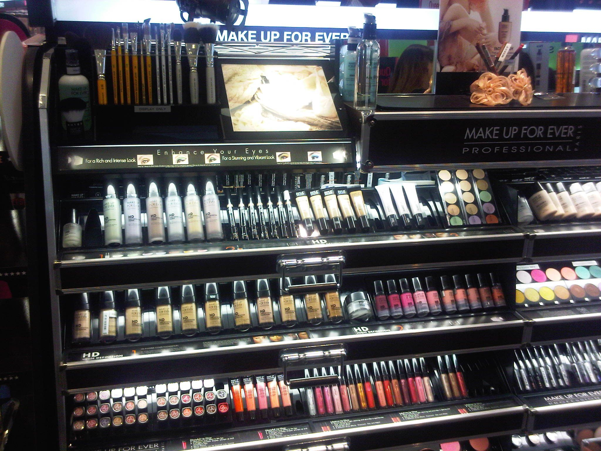 bare minerals makeup display - Google Search | bare minerals ...