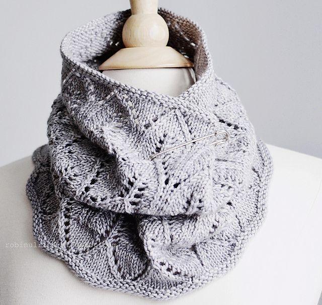 Greyhaven Cowl pattern by Robin Ulrich | Ganchillo y Tejido